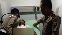 Polisi yang ditembak begal dirawat intensif di RS Omni Alam Sutera, Tangerang Selatan, Banten. (Liputan6.com/Pramita Tristiawati)