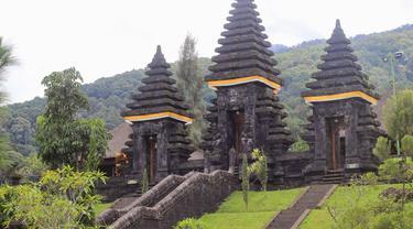 "Pura Parahyangan Agung Jagatkarta ""Alam Dewata Suci Sempurna"", Bogor, Jawa Barat"
