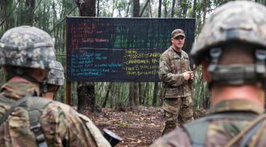 20170316-Latihan Perang di Hutan Tentara Amerika Serikat-AP