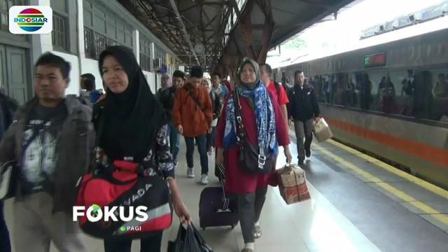 Rata-rata pemudik yang mulai kembali ke Jakarta karena alasan aktivitas kerja sudah dimulai.