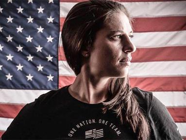 Carli Lloyd, kapten Amerika Serikat ini terpilih sebagai Pesepak bola Wanita Terbaik 2015 FIFA. (elitedaily.com)