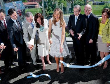 Melania Trump Resmikan Taman Bermain