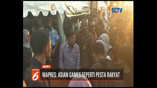 Wakil Presiden Jusuf Kalla meninjau  stan-stan Zona Atung Asian Games 2018 di Gelora Bung Karno.