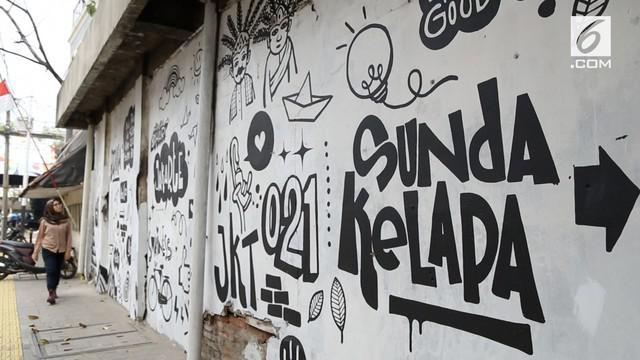 Kamu yang mau bernostalgia dengan suasana kota Jakarta tempo dulu bisa mampir ke Kampung Tematik Penjaringan. Mau tahu keseruannya? Coba cek video ini!