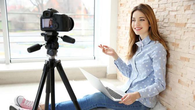 menjadi content creator menjadi pilihan pekerjaan saat ini