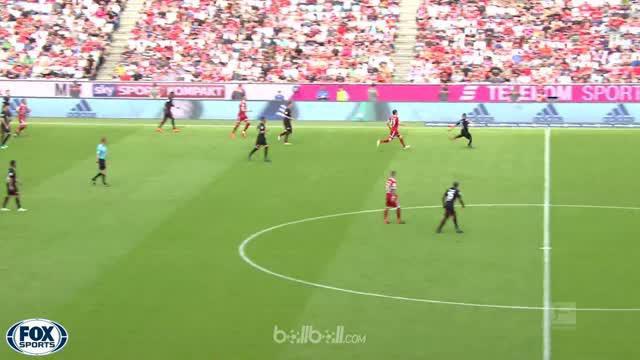 Bayern Munich yang mengistirahatkan sebagian besar pemain bintangnya sukses meraih kemenangan telak 4-1 atas Eintracht Frankfurt d...