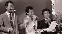 Lagu-lagu melegenda dari Dono, Kasino, Indro atau Warkop DKI ini bakalan bikin kamu sehat lahir batin karena ketawa terus.
