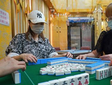 FOTO: Hong Kong Akan Longgarkan Aturan Terkait COVID-19