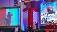 Panglima TNI Marsekal Hadi Tjahjanto membuka rapim   di Cilangkap, Jakarta Timur. (Merdeka.com)