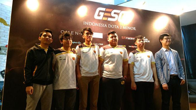 Tim RRQ yang wakili Indonesia di turnamen GESC Indonesia Dota 2 Pro Circuit Minor. Liputan6.com/ Yuslianson