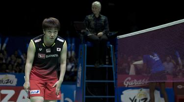 Tunggal putri Jepang, Akane Yamaguchi, berhasil mengalahkan Pusarla Sindhu pada Indonesia Open 2019 di Istora Senayan, Minggu (21/7). Akane menang 21-16 dan 21-18 dari Pusarla. (Bola.com/Peksi Cahyo)