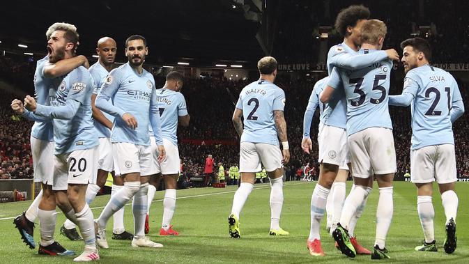 Para pemain Manchester City merayakan gol. (AP/Jon Super)