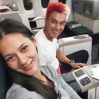 6 Potret Terbaru Baim Wong, Nyentrik dengan Rambut Merah Putih di Spanyol (sumber: Instagram.com/baimwong)