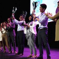 3 Mahasiswa ITB berhasil menangngkan piala Brandstorm Internasional
