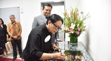 Menteri Luar Negeri RI, Retno Marsudi, meresmikan beroperasinya mirror site data center pertama di Seoul, Korea Selatan (Kemlu.go.id)