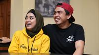 Dalam acara tersebut, baik Ayudia dan Ditto serta sang buah hati terlihat hadir. Pasangan ini mengaku pasrah saat kisah cintanya yang berawal dari teman diangkat ke layar lebar. (Nurwahyunan/Bintang.com)