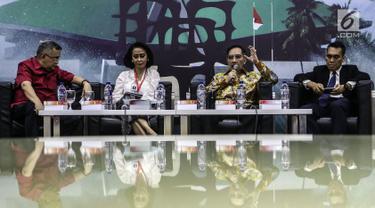 Anggota Komisi III DPR, Trimedya Pandjaitan, Ketua Pansel KPK Yenti Garnasih, Ketua KPK Jilid II Antasari Azhar dan Pakar Pidana Univ. Pelita Harapan Jamin Ginting menjadi pembicara diskusi Dialektika Demokrasi di Kompleks Parlemen MPR/DPR-DPD, Jakarta, Kamis (18/7/2019). (Liputan6.com/Johan Tallo)