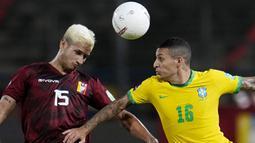 Meski tak diperkuat oleh pemain bintang mereka yakni Neymar yang menjalani skorsing akibat akumulasi kartu kuning, Tim Samba tetap berhasil membungkam tuan rumah dengan skor 3-1. (AP/Ariana Cubillos)