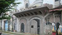 Bangunan Istana Majapahit ini pernah sangat ngetop di era 1980-an (foto: Liputan6.com / edhie prayitno ige)