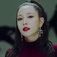 Saat ini BoA sudah berusia 31 tahun, penyanyi yang punya julukan Queen of KPop ini masih dianggap memberikan pengaruh yang luar biasa di dunia hiburan Korea. (Foto: Soompi.com)
