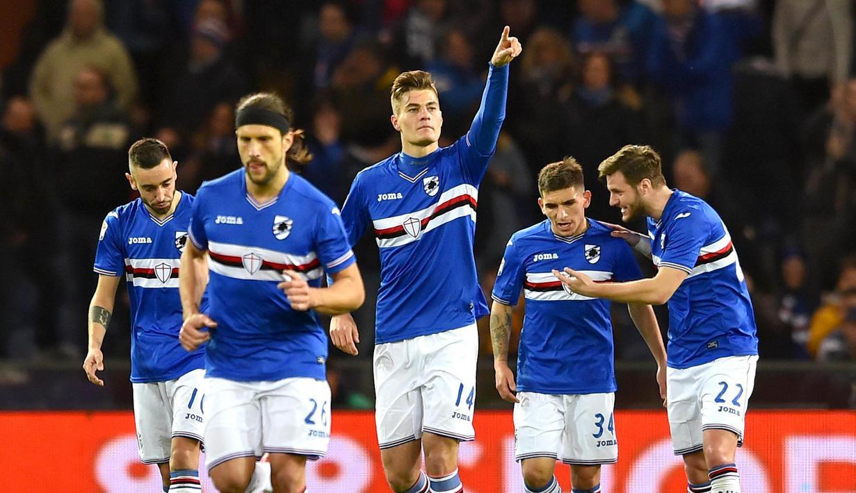 Striker Sampdoria, Patrik Schick, melakukan selebrasi usai mencetak gol ke gawang Pescara pada laga lanjutan Serie A di Stadion Luigi Ferraris, Genoa, (04/03/2017). (EPA/Simone Arveda)