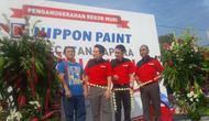 Berpose setelah sukses meraih penghargaan tertinggi di Indonesia dalam program Gapura Merah Putih. (foto : Liputan6.com/Felek Wahyu)