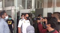 Kuasa hukum Paslon nomor urut 1, Adhitya Nasution saat mengantar pengajuan penundaan pelantikan orient di kantor kemendagri. (Foto Istimewa)