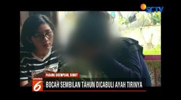 Ayah tiri di Padang Sidempuan, Sumut, tega cabuli anak tirinya yang berusia 9 tahun hingga korban kesulitan berjalan.