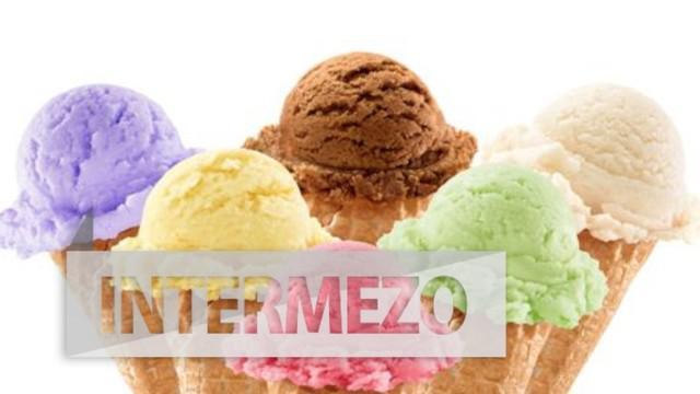 Dalam sekali menjilat es krim, ia bisa dibayar dengan bayaran relatif besar.
