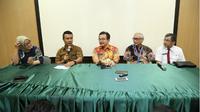 Jumpa pers di RS dr Soetomo terkait kondisi Wali Kota Risma. (Liputan6.com/Dian Kurniawan)