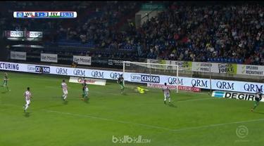 Feyenoord tetap menjaga peluang untuk bisa meraih tiket ke Liga Champions setelah pesta gol menang 5-1 atas Willem II, Rabu (18/4)...
