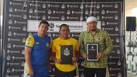 Heru Pujihartono menjadi manajer tim Bhayangkara FC U-20. (Bola.com/Zulfirdaus Harahap)
