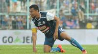 Bek Arema FC, Hamka Hamzah. (Bola.com/Iwan Setiawan)