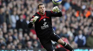 Luke Steele kiper Panathinaikos yang pernah terdaftar sebagai kiper Manchester United 2002-2006 melakukan blunder konyol yang menyebabkan kekalahan timnya dari Panionios pada Minggu (13/9/2015).