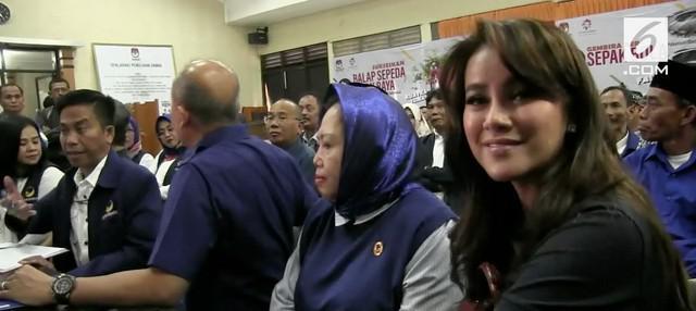 Olla Ramlan mencuat di bursa pemilihan legislatif 2019 tingkat DPR RI dari daerah pemilihan kota dan kabupaten Sukabumi atau dapil Jawa Barat IV. Olla maju dari Partai Nasdem.