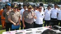 Polda Jatim menyatakan sindikat curanmor tersebut beraksi di beberapa wilayah antara lain di Surabaya, Banyuwangi, Pasuruan, Lamongan hingga Mojokerto. (Foto: Liputan6.com/Dian Kurniawan)