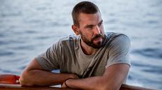 Bintang NBA asal Spanyol, Marc Gasol ambil bagian dalam misi penyelamatan bersama kapal milik LSM Proactiva Open Arms di Laut Mediterania, 16 Juli 2018. Proactiva Open Arms adalah sebuah LSM yang berusaha membantu para migran di laut yang tenggelam. (AFP)