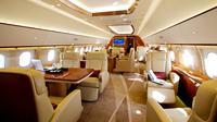 Mewahnya interior pesawat kaum berduit (https://www.comluxaviation.com)