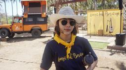 Sebagai seorang selebriti, Adinda Thomas adalah salah satu selebriti yang menyukai petualangan dan menyukai olahraga naik gunung. Cukup banyak gunung yang telah ia daki di Indonesia. (Liputan6.com/IG/@adindathomas)