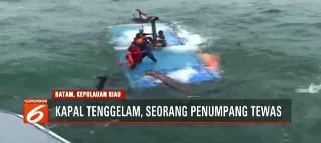 12 orang penumpang selamat dan seorang penumpang meninggal dunia.