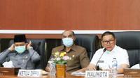 Wali Kota Bukittinggi, Ramlan Nurmatias (kanan). (Liputan6.com/ Novia Harlina)