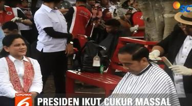 Menurut Presiden Jokowi, Herman merupakan salah satu tukang cukur langganannya sejak masih menjabat Gubernur DKI Jakarta.