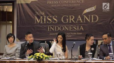 GM of Sales SCTV & Indosiar , Adamas Yudistira saat memberikan keterangan pers kontes kecantikan Miss Grand Indonesia 2018 di Jakarta, Jumat (6/7). Kontes kecantikan menampilkan wanita muda berkualitas pertama kali digelar. (Liputan6.com/Faizal Fanani)
