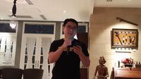 Brand Manager Realme Indonesia Palson Yi dalam perayaan setahun Realme di Tanah Air (Liputan6.com/ Agustin Setyo W)