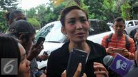 Ayu Dewi mendatangi Polda Metro Jaya untuk menjalani pemeriksaan sebagai saksi terkait kasus penghinaan lambang negara oleh Zaskia Gotik. [Foto: Faisal R. Syam/Liputan6.com]