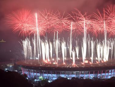 Kembang Api Hiasi Upacara Penutupan Asian Games 2018