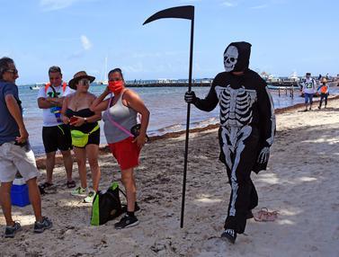 Malaikat Maut Jaga Pantai di Meksiko