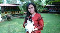 Menjadi peternak atau pengusaha budidaya kelinci tidak pernah terpikirkan sebelumnya oleh pemilik Taman Kelinci UR2farm
