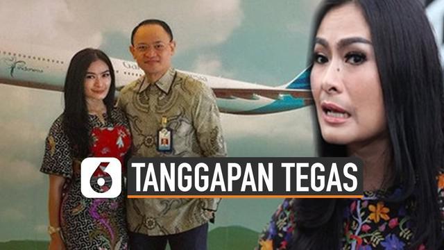 Suami Iis Dahlia, Satrio Dewandono jadi perhatian publik. Sebab ia merupakan pilot Garuda yang disebut bawa barang selundupan.