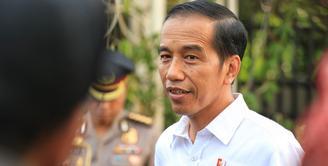 Presiden Jokowi akan mengundang ribuan tamu dalam acara pernikahan putri keduanya, Kahiyang Ayu dan Bobbu Nasution. Pernikahan akan dihelat pada Rabu, (8/11) di gedung Graha Saba Buana. (Adrian Putra/Bintang.com)